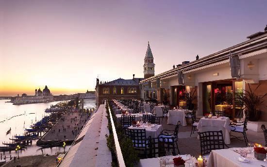 restaurant-terrazza-danieli