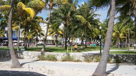 lummus-park-in-miami-beach