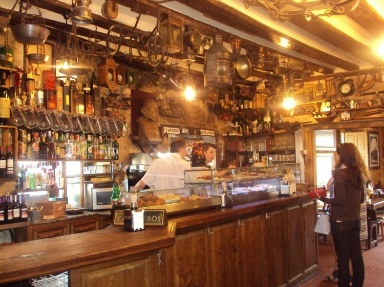 meson-cervantes-restaurantes-de-comida-mediterranea-en-salamanca-provincia-de-salamanca_b5ee6df3d0c0ad1e8c68e8714f390a8b_1000_free