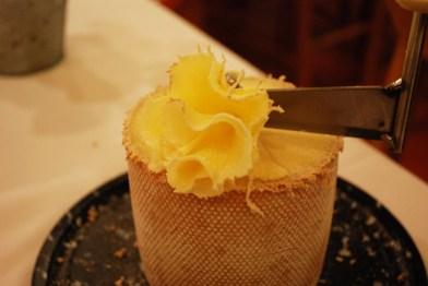 queso-tc3aate-de-moine_la-fondue-de-tell_malasac3b1a-a-mordiscos