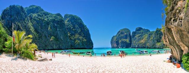 the_beach___maya_bay__phi_phi_leh__thailand_by_hessbeck_fotografix-d5ztaog