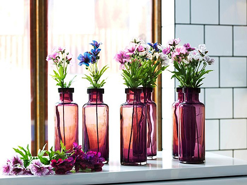 convierte-tus-botellas-de-vidrio-en-jarrones-decorativos-2