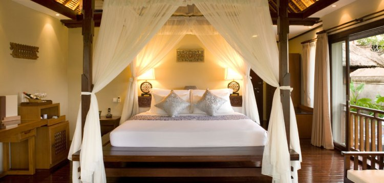kamandalu-villa-201-bedroom-bali-hello-travel