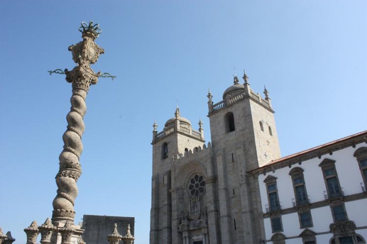 fachada-columna-catedral-se