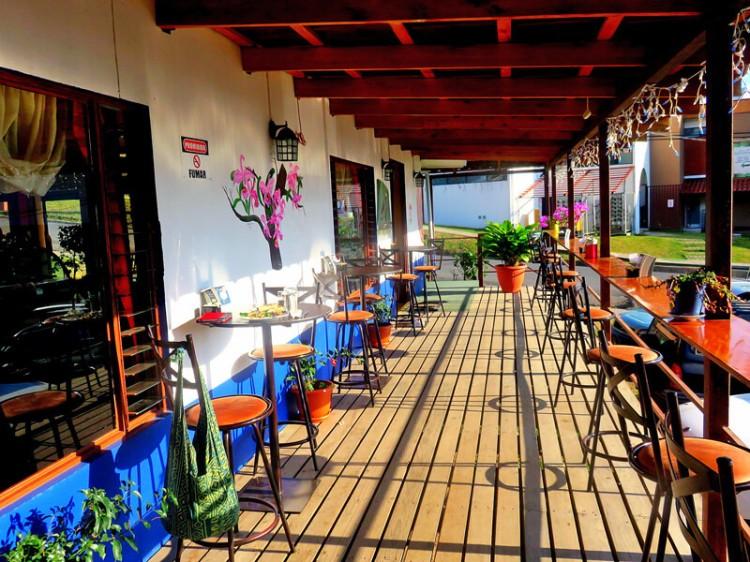 choco-cafe-patio