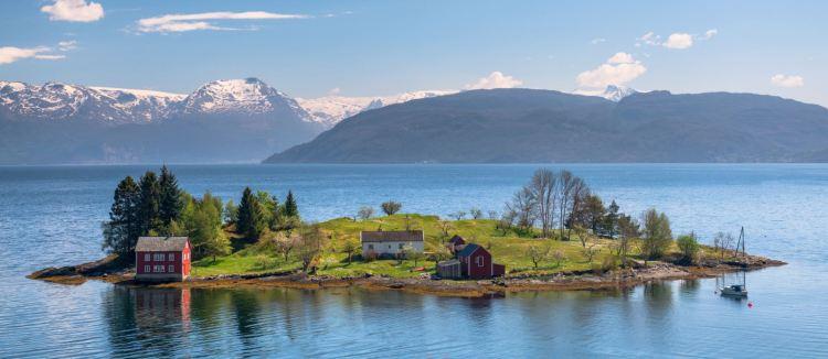 hardangerfjord-norway-fjords