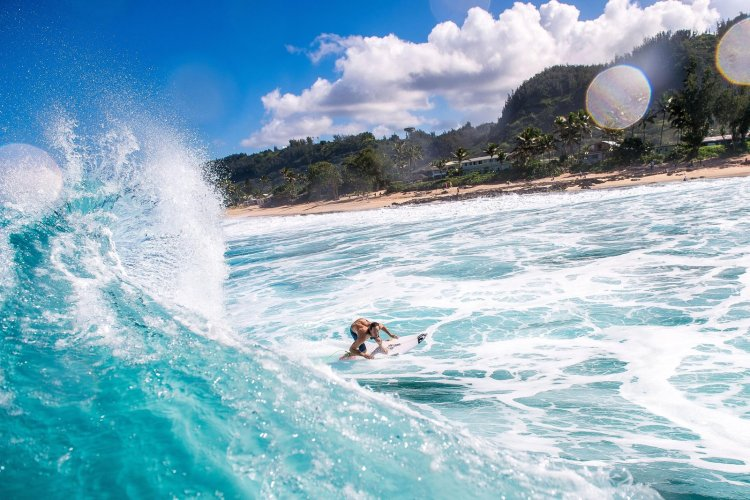 jordy-smith-off-the-bottom-at-haleiwa-hawaii