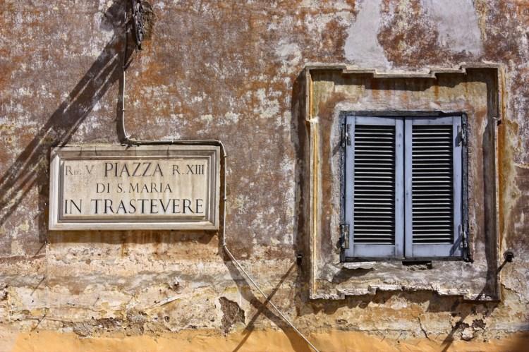 rome-trastevere-windows